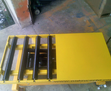 Scissor Lift Table with Roller