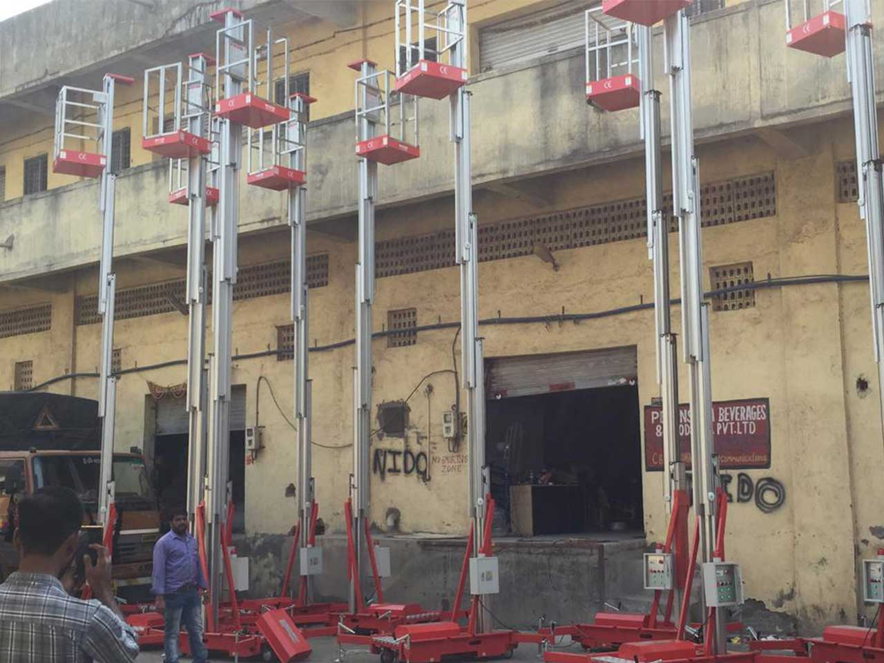 Single Mast Mobile Aluminium Work Platform