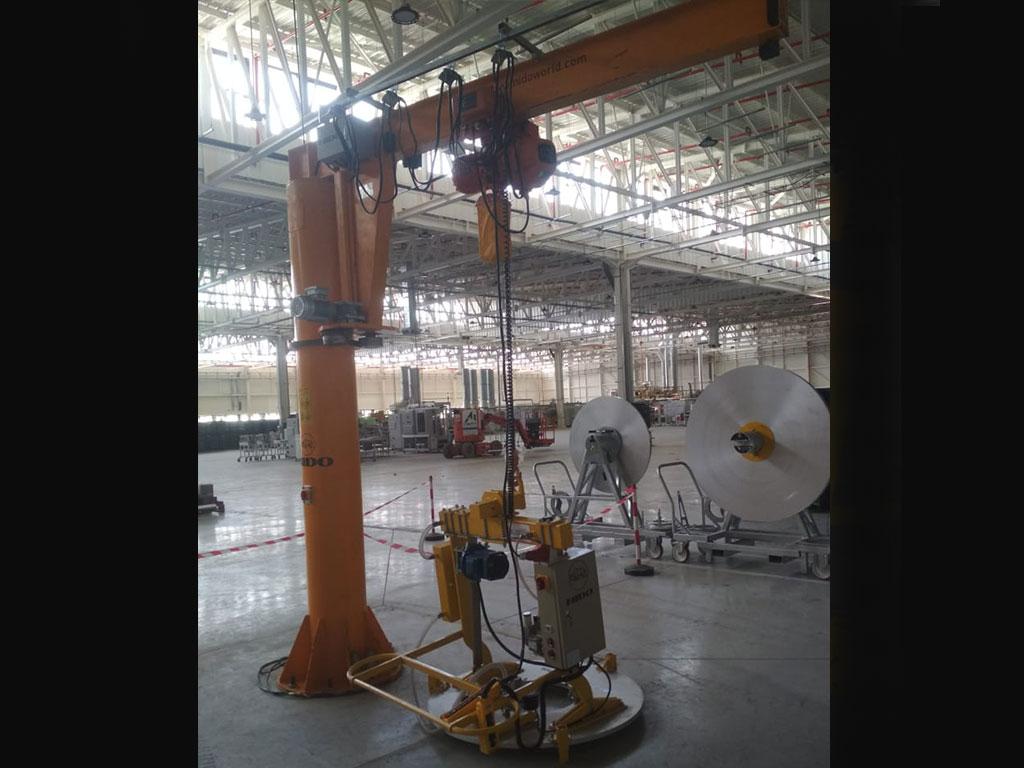 Aluminium coil lifter with jib crane